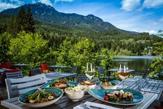After 11 Whistler summers, I know the best things to do. Come discover the secret parks and patios, and my favourite reasonably priced activities. Rainbow Park, Jackson Hole Skiing, Mountain Photography, Lake Park, Cross Country Skiing, Estes Park, Four Seasons Hotel, Patio Dining, Whistler