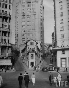 São Paulo, 1947 Palacete Riachuelo à esquerda