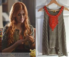 Clary Fray Fashion, Clothes, Style and Wardrobe worn on TV Shows Clary Fray Style, Clary Fray Outfit, Ariel Footloose, Disney Outfits, Cute Outfits, Shadowhunters Outfit, Fashion Clothes, Fashion Outfits, Hunter Outfit