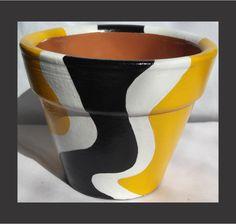Flower Pot Art, Small Flower Pots, Flower Pot Design, Clay Flower Pots, Flower Pot Crafts, Clay Pots, Decorated Flower Pots, Painted Flower Pots, Painted Pots