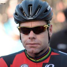 BMC Racing Team @BMCProTeam Thanks, @oakley, for the BMC Racing Team's special edition @tourdownunder sunglasses! #tdu pic.twitter.com/rpDkpcnXjS