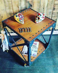 Mesa Zero Calaveras de dehelesponto: helenareparaz@gmail.com #artesanosenhierro #vintage #industrial #vintageindustrial #metal #keys #llaves #coat #cartas #love #chic #peace✌ #perchero #madeinargentina #blacksmith #iron #metal #craftmade #wood...