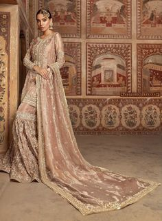 Explore a world of luxurious fabrics ,delicate and exquisitely detailed embroide. Asian Wedding Dress, Pakistani Wedding Outfits, Pakistani Bridal Dresses, Pakistani Wedding Dresses, Pakistani Dress Design, Bridal Outfits, Indian Dresses, Indian Outfits, Indian Clothes