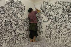 Marker drawings by artist, Yosuke Goda, spreading out and taking over a room like illustration kudzu. Wall Drawing, Art Drawings, Marker Drawings, Sharpie Drawings, Illustration Arte, Foto Art, Japanese Artists, Art Design, Art Plastique