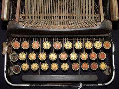 old typewriter (by zen)