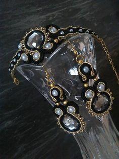 Badi / Soutache Wallet, Chain, Fashion, Moda, Fashion Styles, Necklaces, Fashion Illustrations, Purses, Diy Wallet