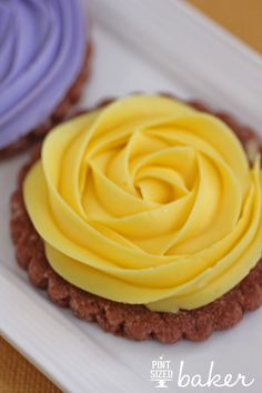 Pint Sized Baker: Chocolate Shortbread Roses with buttercream roses.