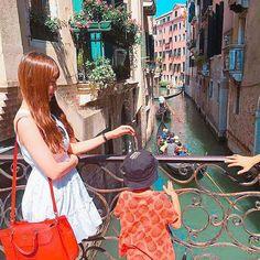 Instagram의 조은샘님: 베네치아에서 만난 귀여운 꼬맹이 #이탈리아 #여행 #베네치아 #안녕