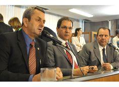 Arantes defende duplicação total da MG-050. http://www.passosmgonline.com/index.php/2014-01-22-23-07-47/geral/5066-arantes-defende-duplicacao-total-da-mg-050