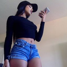 Outfit is good but shorts this tight that look good are a hard find because lots of them are really like idk hard to explain but we find you some :) Teen Fashion, Fashion Beauty, Fashion Outfits, Womens Fashion, Style Fashion, Girls Tumblrs, Looks Style, My Style, Summer Outfits