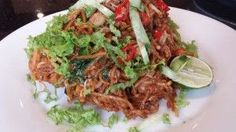 Penang Mee Mamak, aka Mee Goreng, has its own nuances compared to the Mee Goreng I grew up with down in the southern part of Malaysia… (more >> ) Malaysian Food, Malaysian Recipes, Rice Noodles, Noodle Recipes, Spicy, Recipies, Curry, Pasta, Beef