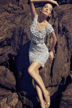 Graphics and Crochet: Dress Vanessa Montoro flower motif dress 2-6