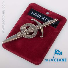 Robertson Clan Crest Pewter Kilt Pin. Free worldwide shipping available.