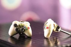 Tiny XBOX 360 Controller Stud Earrings - Classic White - Polymer Clay - so cute. I want!
