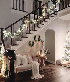 36 Most Popular Living Room Colors Ideas - Inspiration to Beautify Your Living Room 2730 : ? 36 Most Popular Living Room Colors Ideas - Inspiration to Beautify Your Living Room 2730 Christmas Entryway, Cozy Christmas, Elegant Christmas, Rustic Christmas, Christmas Living Room Decor, Christmas Ideas, Christmas Cookies, Christmas Mantels, Christmas Design