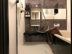 """natsumi on Instagram: """"* ・ ・ #バスルーム 🛁 #お風呂 載せるの初?🙄 お風呂までも#モダン がテーマです! 至って普通ですが、、😓 オプションもほとんどなし! ど標準です💦 ・ #リクシル #アライズ #組石グレー です💓 これは迷わず即決!! あとはほぼ黒✨✨…"""" Bathtub, Bathroom, Interior, Home, Standing Bath, Washroom, Bathtubs, Indoor, Bath Tube"""