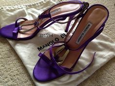 MANOLO BLAHNIK HEELS PRICE: $160 ORIGINALLY: $700 SIZE:EU 40 / US 10