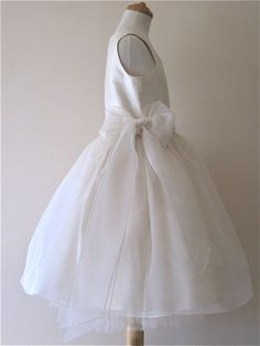 love the side bow for a flower girl