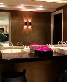 Beauty salon decorating ideas photos nail interior design and decoration from green decor hair Beauty Salon Decor, Beauty Salon Design, Beauty Salons, Schönheitssalon Design, House Design, Design Ideas, Brand Design, Clean Design, Salon Interior Design