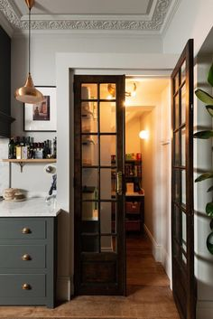 Devol Kitchens, Home Kitchens, Galley Kitchens, Classic Kitchen, English Kitchens, Cuisines Design, Style At Home, Home Fashion, Home Decor Accessories