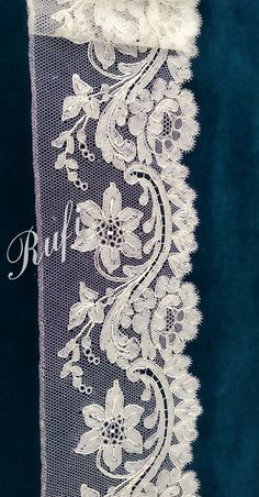 Rufi Fdez Pacheco Lace Making, Lace Trim, Fashion, Whipped Cream, Moda, Lace, Fashion Styles, Bobbin Lace, Crochet Lace