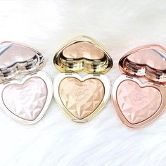 "283 Likes, 50 Comments - G E M M A  (@missmakeupmagpie) on Instagram: ""Can we just take a moment to appreciate how incredible these new @toofaced Love Light highlighters…"""