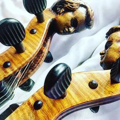 Lustereczko powiedz przecie...  _______ @jestrudo #fotowyzwaniejestrudo Zadanie 4 #innatwarz _______ #violin   #violino   #violinist   #violinlife   #violingirl   #skrzypaczka   #skrzypce   #muzyka   #geige   #fiddle   #musicaclassica   #instrument   #instaclassical   #bestmusicshots    #soloist   #virtuoso   #stringmusician   #violinsolo   #jj_musicmember   #classicfm   #talentedmusicians   #instamusiciansdaily   #skrzypczyni