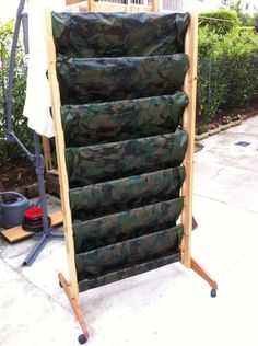 DIY - vertical garden, vegetable wall / fence from recycled wood