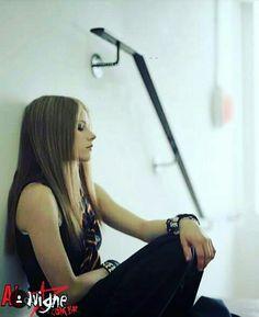 Avril Lavigne Under My Skin photoshoot
