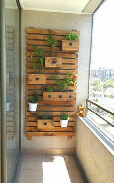 15 Creative Vertical Garden Ideas to Inspire You Small Balcony Design, Small Balcony Decor, Balcony Plants, Balcony Garden, Diy Pergola, Modern Pergola, Outdoor Pergola, Pergola Ideas, Backyard Patio