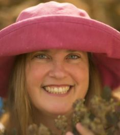 """Evelyn Hadden is a national speaker and award winning Author of 4 garden books. She joins me to discuss her book Hellstrip Gardening. We all have that dreaded spot between sidewalk and road, or area between driveways etc. That area that gets a lot of abuse but you don't known what to do with, that's ...Read more About """"Evelyn Hadden, Hellstrip Gardening"""""""