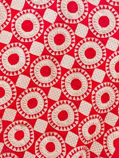 love me a red 'n' white quilt!  #quilting