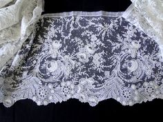 Maria Niforos - Fine Antique Lace, Linens & Textiles : Antique Lace # LA-295 Circa 1860's, Superb Brussels Point De Gaze Lace