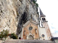 madonna della corona Madonna, Building, Travel, Corona, Italia, Fotografia, Art, Viajes, Buildings