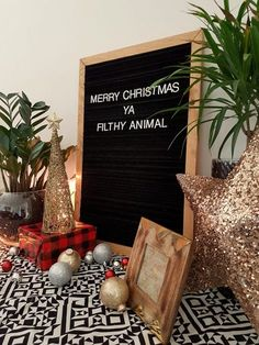 Vintage style felt letter boards aren't cheap to buy, but you can make your own on a budget with this easy DIY letter board tutorial! Christmas Messages, Noel Christmas, Christmas Quotes, All Things Christmas, Winter Christmas, Funny Christmas, Thanksgiving Messages, Christian Christmas, Christmas Morning