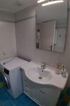 Łazienka z pralką Crete, Corner Bathtub, Sink, Bathroom, Studio, Home Decor, Sink Tops, Washroom, Vessel Sink