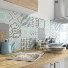 Cores suaves na cozinha.Via Leroy Merlin Home Decor Kitchen, Kitchen Interior, Home Kitchens, Küchen Design, House Design, Decoration Gris, Interior Decorating, Interior Design, Kitchen Tiles