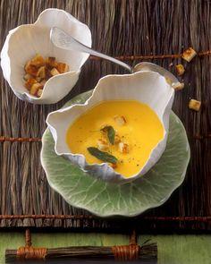 Kürbissuppe mit Salbei-Croutons