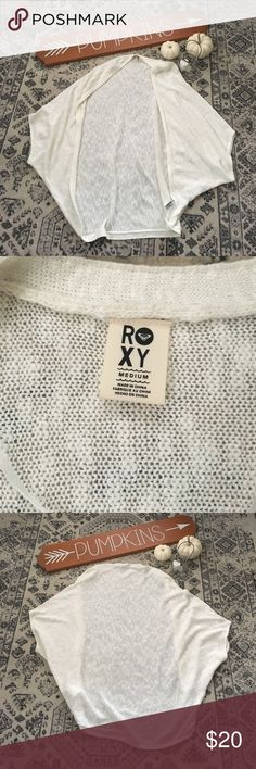 Roxy Cream Cocoon Sweater - M Roxy cocoon style sweater, slouchy, cream colored, size medium. Very cute, goes with everything. Worn once. Roxy Sweaters