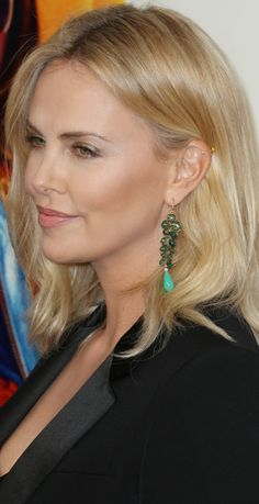 Charlize Theron / hair color