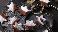 Einfach himmlisch: Diese Sterne zergehen förmlich auf der Zunge: Tiramisu-Sterne mit Schoko-Mascarpone-Füllung   http://eatsmarter.de/rezepte/tiramisu-sterne