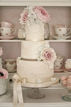 Wedding Cakes & Desserts - MODwedding