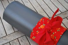 Yoga bow – red with orange flowers