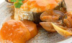 Lomos de merluza a la sidra con patatas y almejas #merluza #sidra