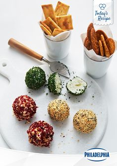 Spread a little colour into your January with this fun and delicious recipe for Savoury Mini Cheese Balls. Simple, elegant and DIY.