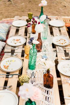 Love this boho table setting with vintage glassware from music festival styled shoot. Wedding Tips, Boho Wedding, Wedding Blog, Wedding Planner, Small Intimate Wedding, Intimate Weddings, Wedding Locations, Wedding Venues, Festival Wedding