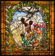 """Panel de primavera de """" Las Cuatro Estaciones"""" diseñado por Louis Comfort Tiffany para el salon de Laurenton Hall, su mansion en Long Island, Nueva York. Antes de instalarlos se exhibieron en la Exposicion Universal de Paris en 1900"""