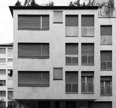 foto: 2012;  architetti: M. Asnago e C. Vender;  edificio per abitazioni e uffici Via Verga 4;  anno 1962-64