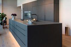Piece A Vivre, Küchen Design, Tiny House, Kitchen Island, Sweet Home, Room Decor, Interior, Herzog, Furniture