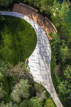 木平台与园路结合 北京龙湖时代天街
